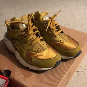 Gold Hurraches Nike sneakers